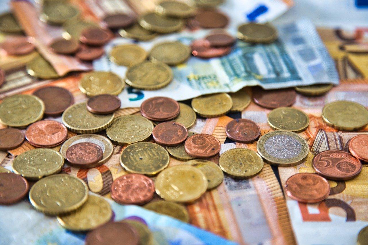 money-5376548_1280